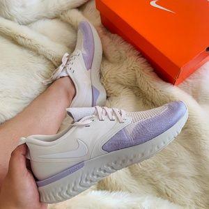 W Nike odyssey react 2
